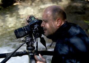 """Juan Santos Navarro, fotógrafo catalán coautor del libro """"Natura: Regards créatifs sur la nature"""""""