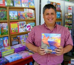 """Óscar Prieto Ramírez y su cuento infantil """"Lulita la estrella marina"""""""