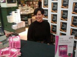 La escritora canaria Ana González Duque / elblogdegestionasalud.blogspot.com