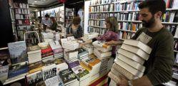 Las ventas en librerías han caído un 20% en los dos últimos años, según fuentes del sector. / MARCEL·LÍ SÀENZ