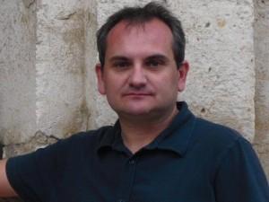El autor// web de Mario Escobar - mario
