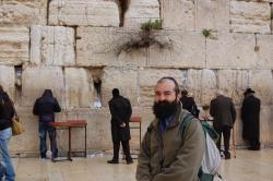 En Israel buscando escenarios para su novela