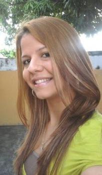La escritora venezolana Kassfinol / Blog Librosalatardecer