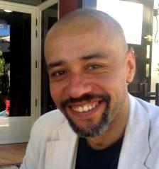 David J. Skinner, el autor