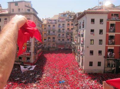 Lanzamiento del Chupinazo. Fuente Europapress