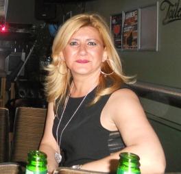 La autora Delmi Anyó